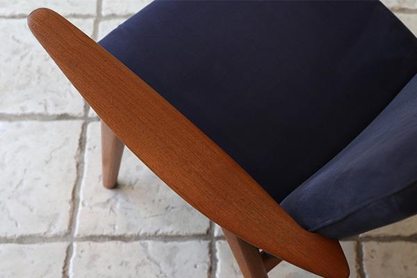 Hans J. Wegner   Easy chair. JH517  Johannes Hansen (4).jpg