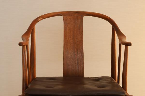 Hans J. Wegner  China chair. Model 4283  Fritz Hansen (3).jpg