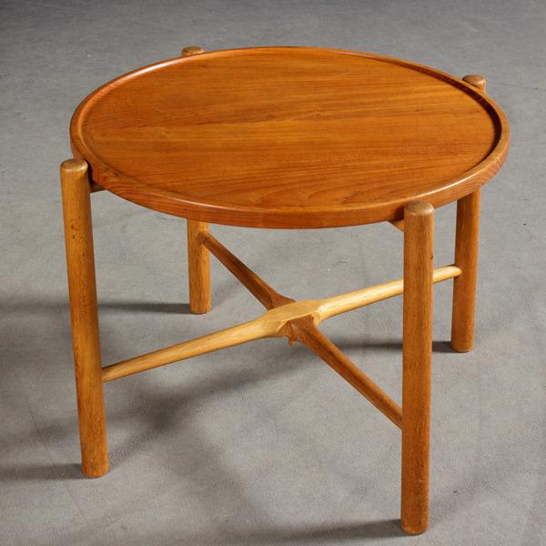 Hans J. Wegner  Coffee table. AT35  Andreas Tuck (1).jpg