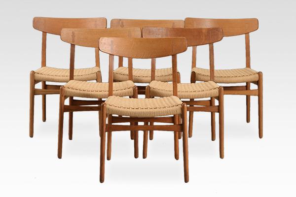 Hans J. Wegner  Dining chair. CH-23  Carl Hansen & Son (2).jpg
