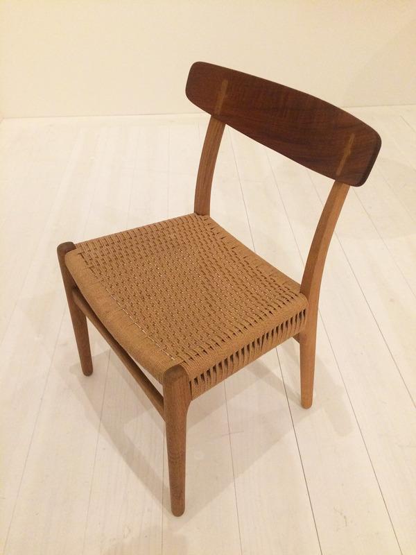 Hans J. Wegner  Dining chair. CH-23  Carl Hansen & Son (3).jpg