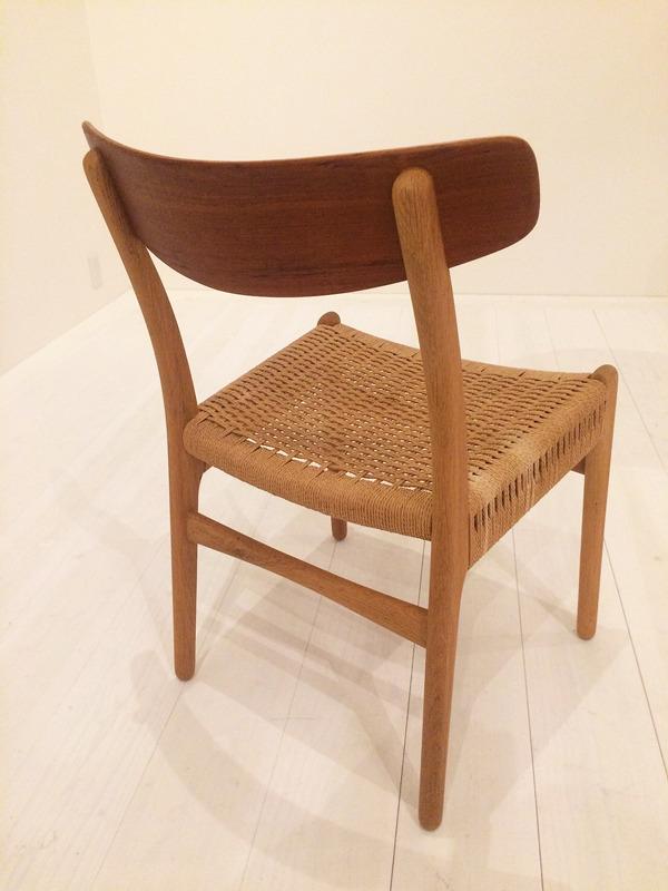 Hans J. Wegner  Dining chair. CH-23  Carl Hansen & Son (4).jpg