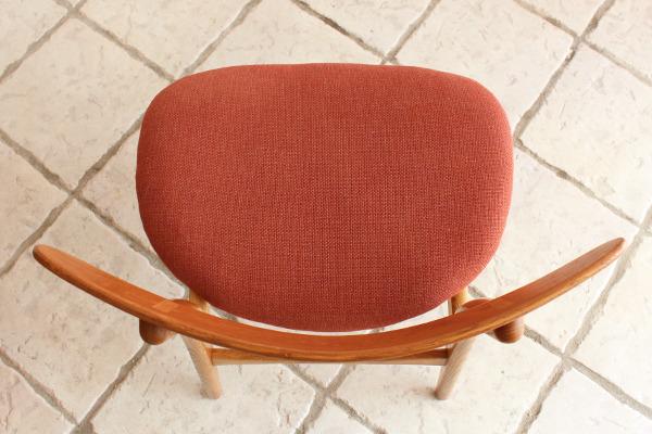Hans J. Wegner  Dining chair. CH-30  Carl Hansen & Son (6).jpg
