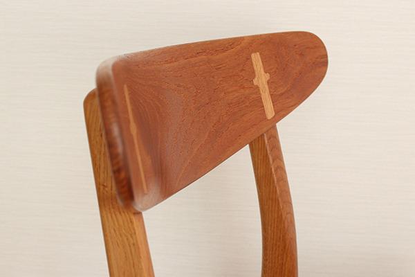Hans J. Wegner  Dining chair. CH-30  Carl Hansen & Son (7).jpg