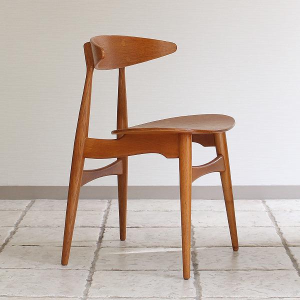 Hans J. Wegner  Dining chair. CH-33  Carl Hansen & Son (3).jpg