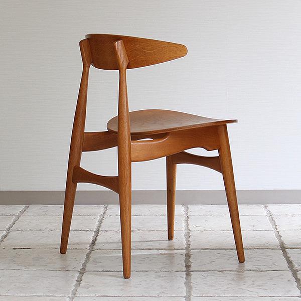 Hans J. Wegner  Dining chair. CH-33  Carl Hansen & Son (4).jpg