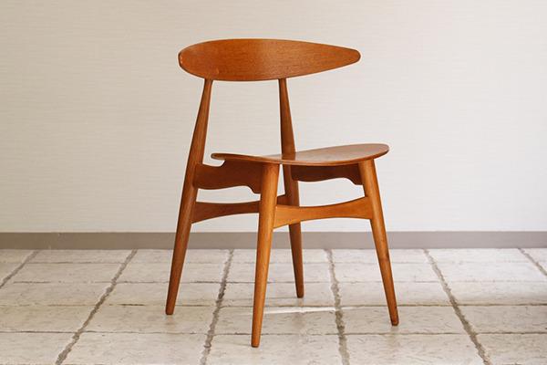 Hans J. Wegner  Dining chair. CH-33  Carl Hansen & Son (6).jpg