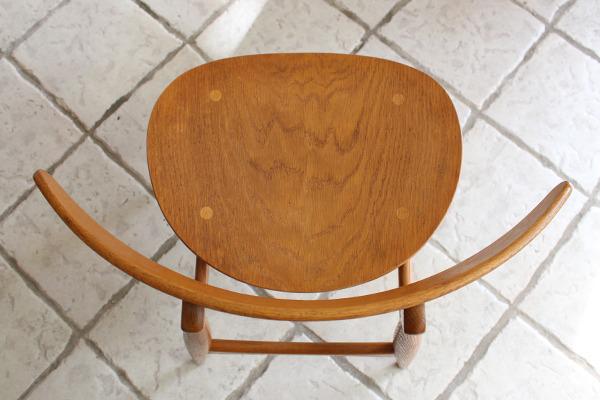 Hans J. Wegner  Dining chair. CH-33  Carl Hansen & Son (8).jpg