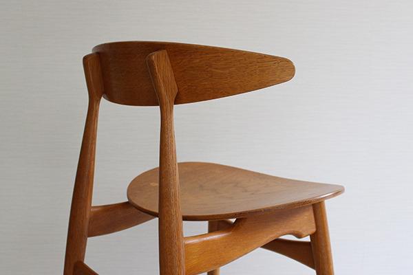 Hans J. Wegner  Dining chair. CH-33  Carl Hansen & Son (9).jpg