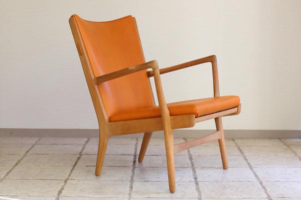 Hans J. Wegner  Easy chair. AP16  AP Stolen  (2).jpg