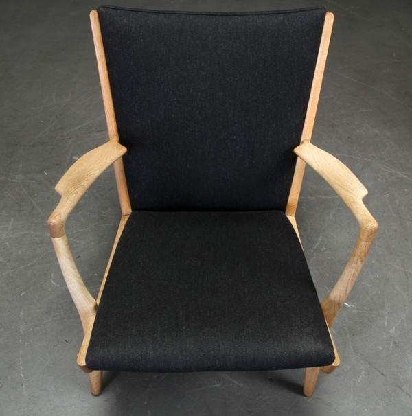 Hans J. Wegner  Easy chair. AP16  AP Stolen  (4).jpg