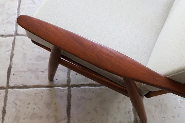 Hans J. Wegner  Easy chair GE-270  GETAMA (13).jpg