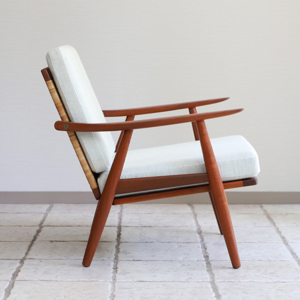 Hans J. Wegner  Easy chair GE-270  GETAMA (17).jpg