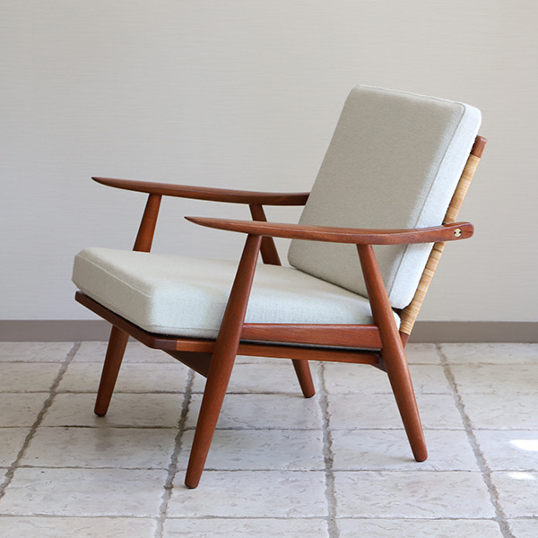 Hans J. Wegner  Easy chair GE-270  GETAMA (18).jpg