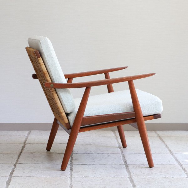 Hans J. Wegner  Easy chair GE-270  GETAMA (4).jpg