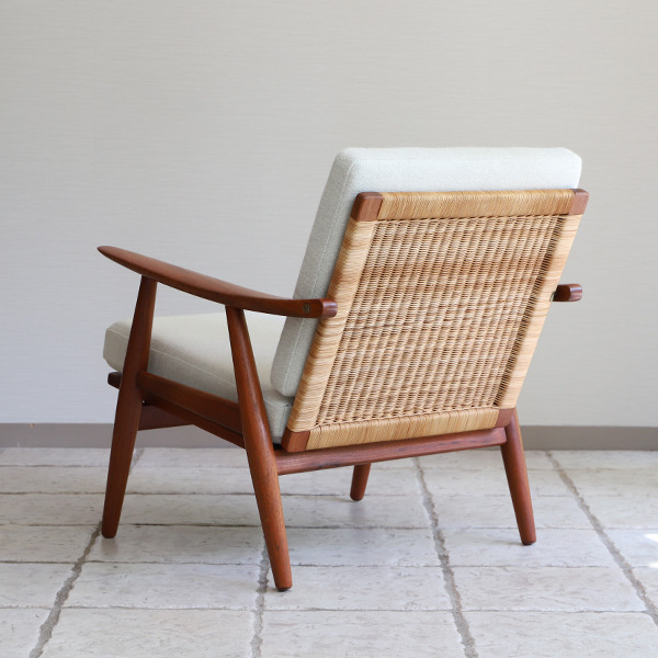 Hans J. Wegner  Easy chair GE-270  GETAMA (7).jpg