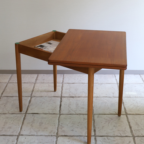 Hans J. Wegner  Game Table .AT306  Andreas Tuck_0530 (4).jpg