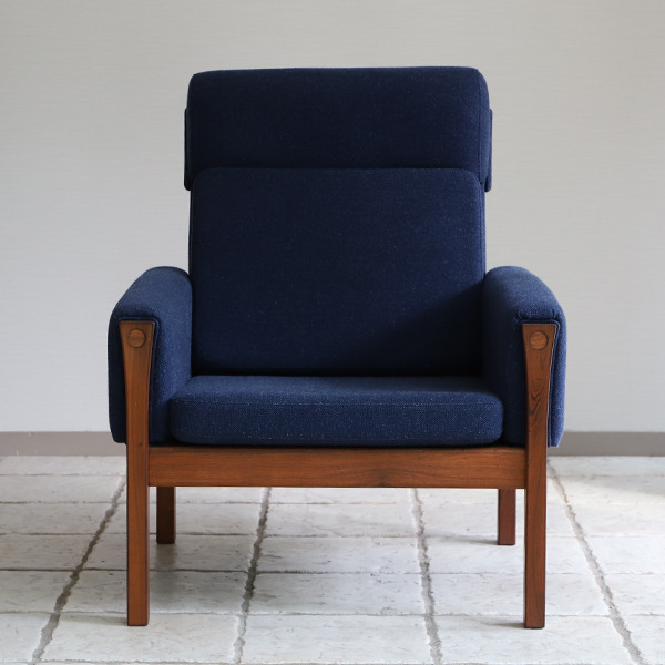 Hans J. Wegner  Highback easy chair. AP62  AP Stolen (4).jpg