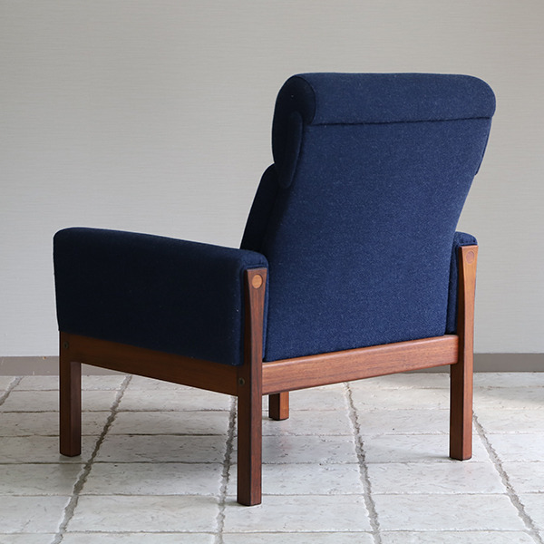 Hans J. Wegner  Highback easy chair. AP62  AP Stolen (7).jpg