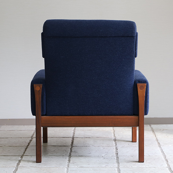 Hans J. Wegner  Highback easy chair. AP62  AP Stolen (8).jpg