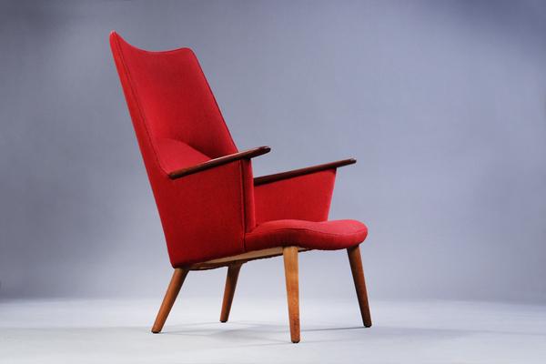Hans J. Wegner  Mama bear chair. AP-27  AP Stolen (2).jpg