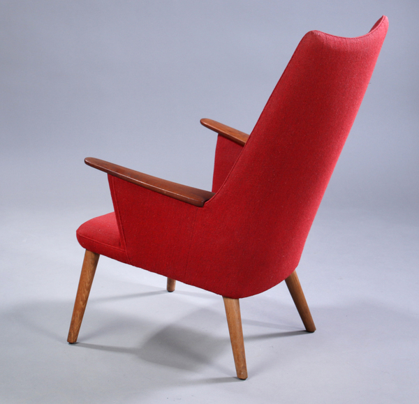 Hans J. Wegner  Mama bear chair. AP-27  AP Stolen (5).jpg