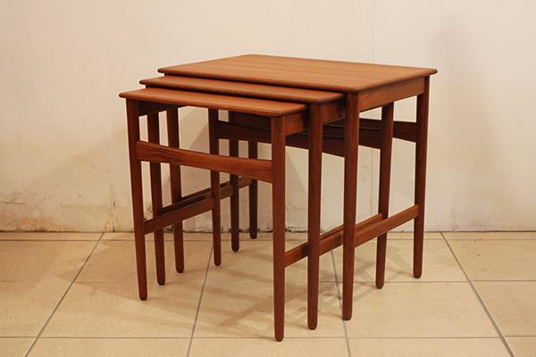 Hans J. Wegner  Nesting Tables teak Andreas Tuck (3).jpg