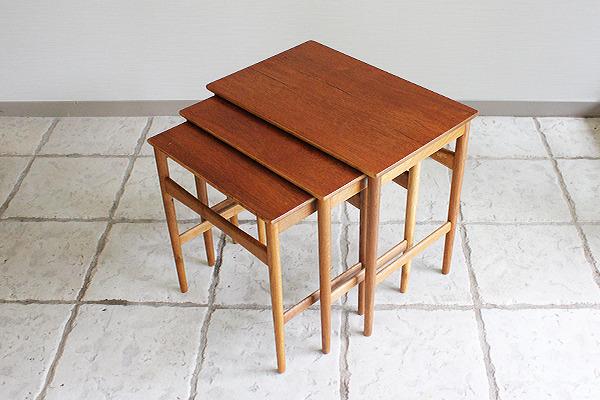 Hans J. Wegner  Nesting Tables teak Andreas Tuck (6).jpg