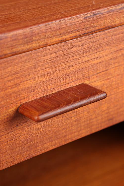Hans J. Wegner  Night table .RY430  RY Mobler (5).jpg