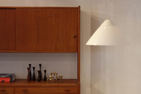 Hans J. Wegner  Opala Pendant Lamp  Louis Poulsen  (3).jpg