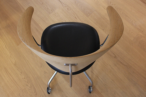 Hans J. Wegner  Swivel Chair. PP502  PP Mobler (2).jpg