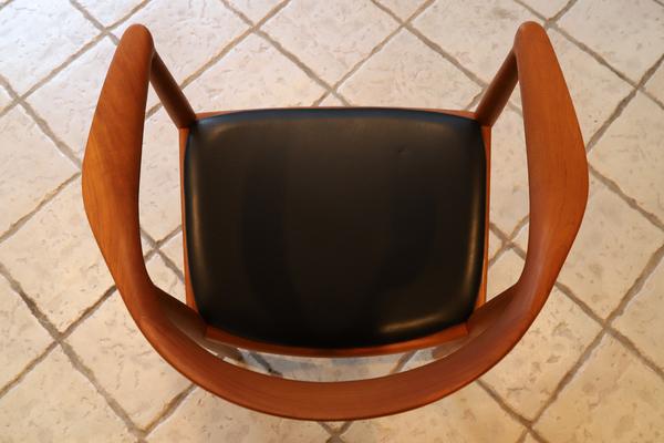 Hans J. Wegner  The chair. JH-503  Johannes Hansen-01 (4).jpg
