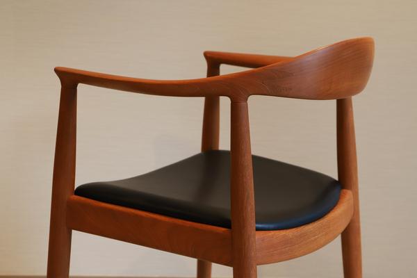 Hans J. Wegner  The chair. JH-503  Johannes Hansen-01 (5).jpg
