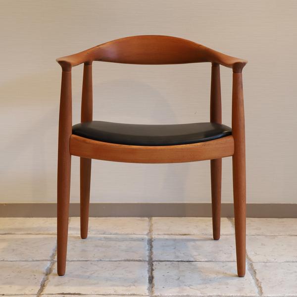 Hans J. Wegner  The chair. JH-503  Johannes Hansen-02 (3).jpg