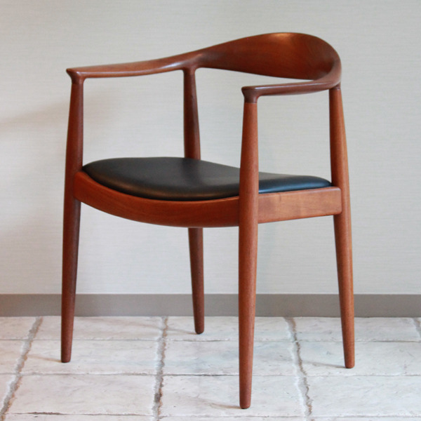 Hans J. Wegner  The chair. JH-503  Johannes Hansen-03.jpg
