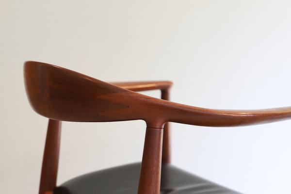 Hans J. Wegner  The chair. JH-503  Johannes Hansen (10).jpg