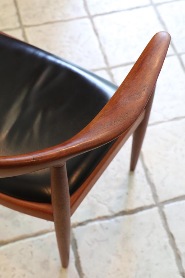 Hans J. Wegner  The chair. JH-503  Johannes Hansen (3).jpg