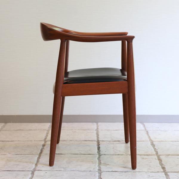 Hans J. Wegner  The chair. JH-503  Johannes Hansen (4).jpg