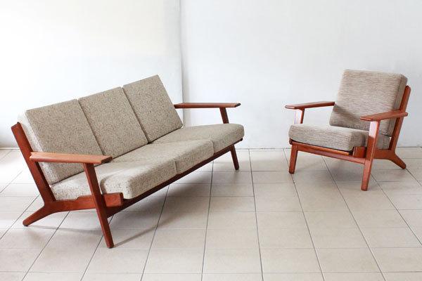 Hans J. Wegner  Three-seater sofa. GE290  GETAMA (11).jpg
