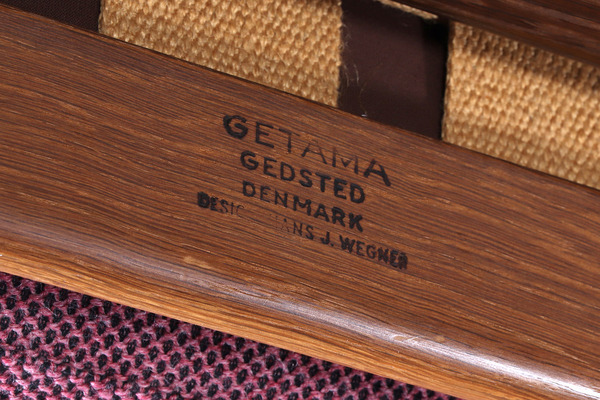Hans J. Wegner  Three-seater sofa. GE530  GETAMA.jpg