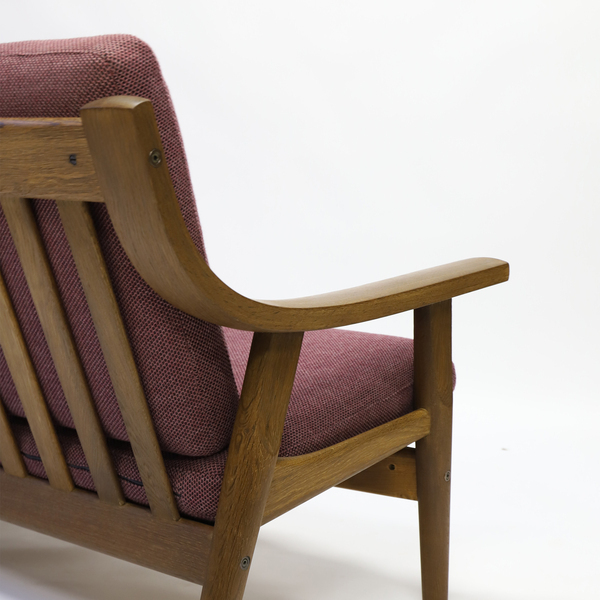 Hans J. Wegner  Three-seater sofa. GE530  GETAMA (5).jpg
