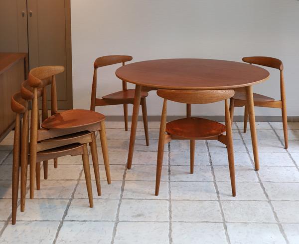 Hans Wegner  Heart Dining Set  Fritz Hansen (4).jpg