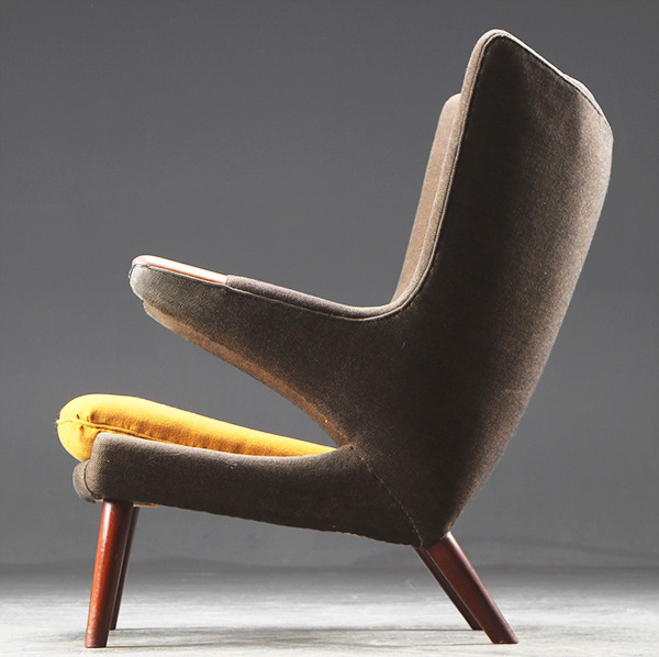 HansJWegner-Loungechair-PapaBearChair-modelAP19-rosewood-03.jpg