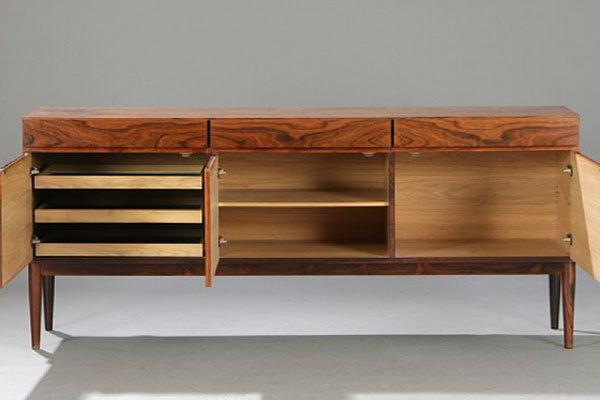 Ib-Kofod-Larsen-Sideboard-02.jpg
