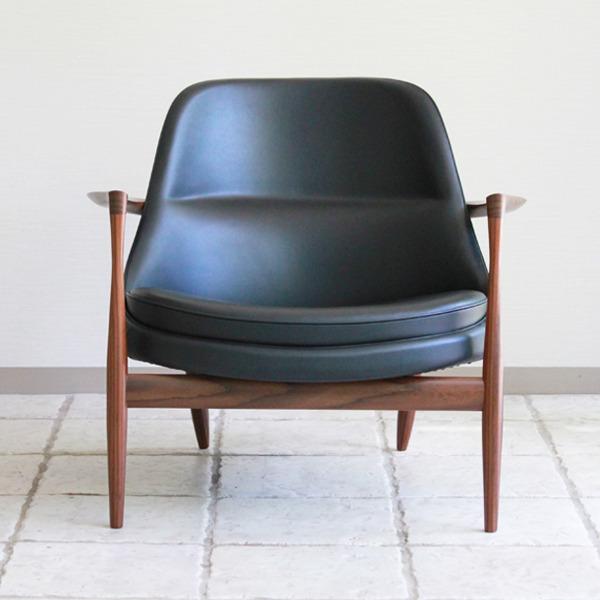 Ib-kofod-Larsen--Lounge-chair.-Elisabeth-Kitani-2-02.jpg