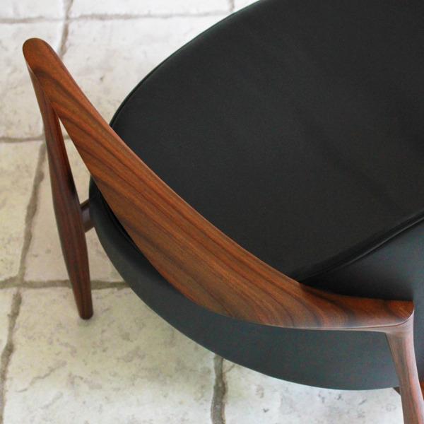 Ib-kofod-Larsen--Lounge-chair.-Elisabeth-Kitani-2-08.jpg