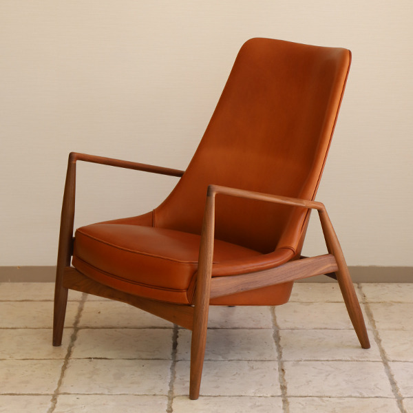 Ib Kofod Larsen  High back easy chair. Seal chair  Brdr. Petersen (6).jpg