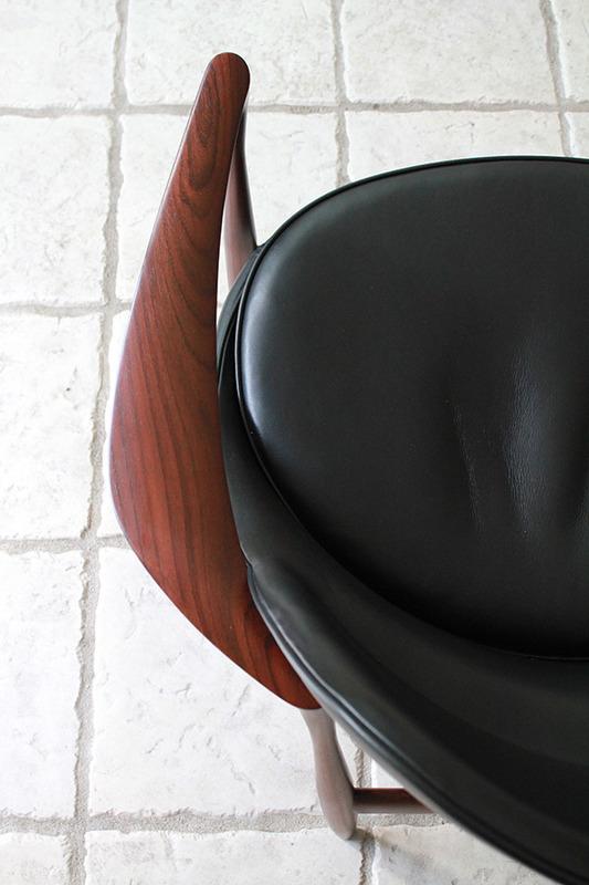 Ib kofod-Larsen  Lounge chair. Elisabeth  Kitani-07.jpg