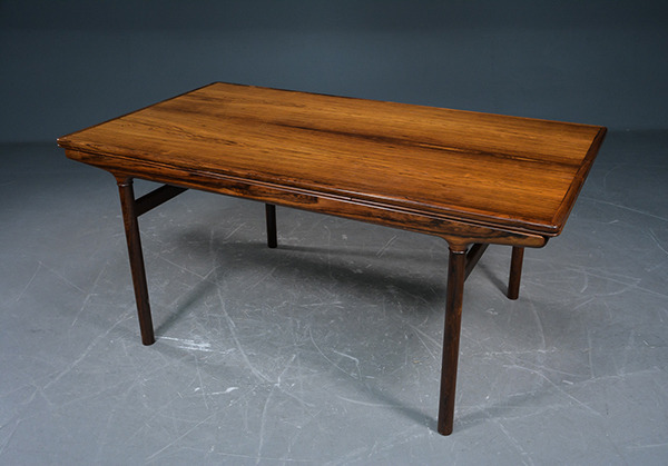 Johannes-Andersen--Extension-dining-table-rosewood-04.jpg