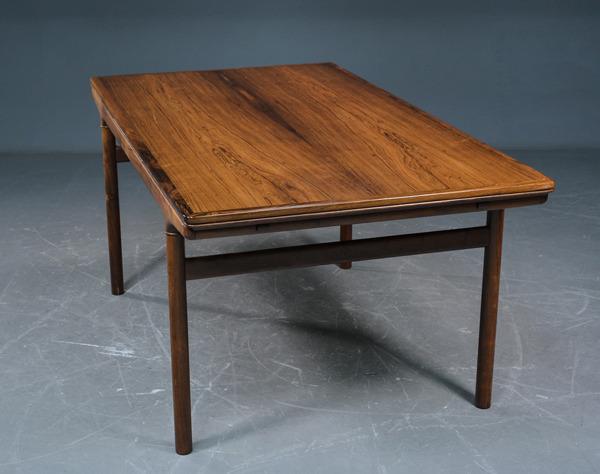 Johannes-Andersen-Rosewood-extension-dining-table-03.jpg